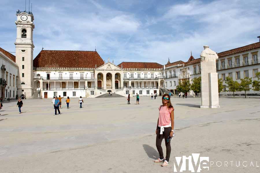 Patio de escuelas de la Universidad de Coímbra