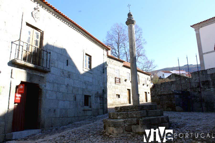 Picota y antigua cárcel de Linhares da Beira