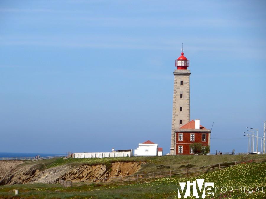 Faro do Penedo da Saudade São Pedro de Moel faros de Portugal