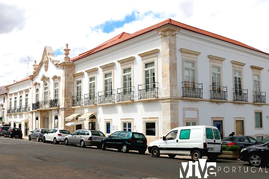 Palácio dos Marqueses de Praia e Monforte.