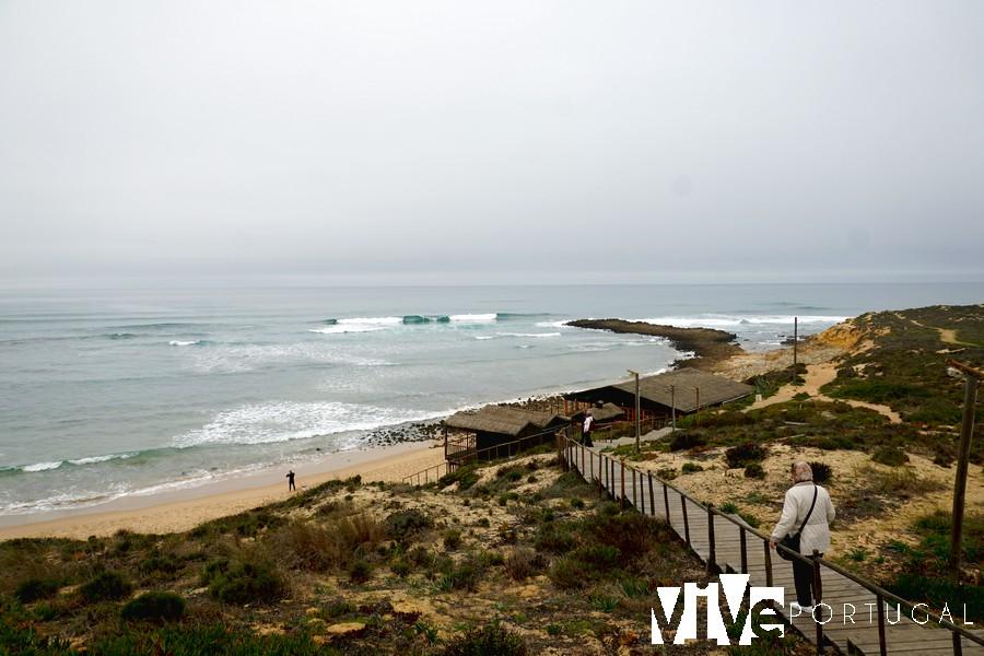 Pasarela de acceso a la praia do Farol