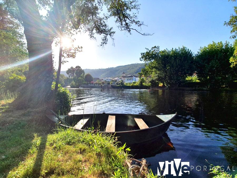 Río Alva a su paso por Sandomil